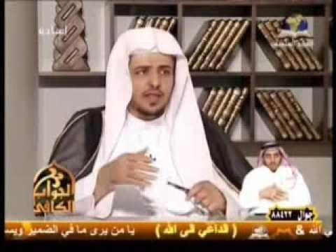 حكم أداء الفريضة والجنازة في قبلة الإمام