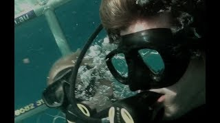 """Nonton Open Water 3 Cage Dive (2017) Exclusive Clip """"Boat Hit By Wave"""" HD, Shark Week Film Subtitle Indonesia Streaming Movie Download"""