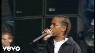 "Bow Wow performs ""Bow Wow (that's my name).""http://vevo.ly/XtsNhm"