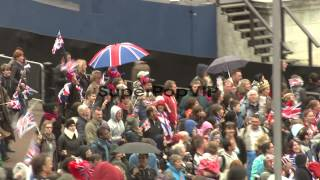 ATMOSPHERE:  Diamond Jubilee - Carriage Procession And Balcony Appearance on June 05, 2012 in London, England Thanks for watching this video!Video Credit: Getty Images