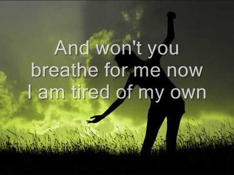 Tekst piosenki James Blunt - Breathe po polsku