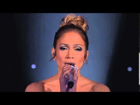 To miał być zwykły koncert Jennifer Lopez! Teraz zobacz co działo się z jej suknią po minucie występu!