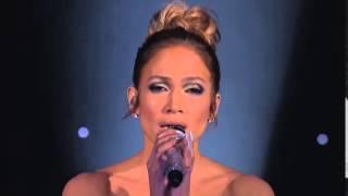 To miał być zwykły występ Jennifer Lopez! Zobacz co działo się z jej suknią po minucie występu!