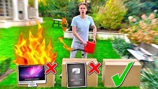 Video NIE SPAL ZŁEGO MYSTERY BOXA! *PRZYCISK OD YT*   Nie zniszcz złego Mystery Boxa MP3, 3GP, MP4, WEBM, AVI, FLV September 2019