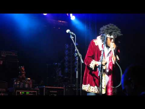 Michael Winslow As Jimi Hendrix - Star Spangled Banner (Live)