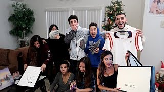 Video INSANE CHRISTMAS GIFTS OPENING W/ MOLLY AND MY FAMILY!! | FaZe Rug MP3, 3GP, MP4, WEBM, AVI, FLV Maret 2019