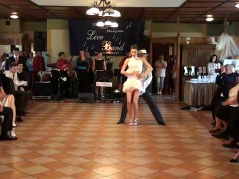 www.kt-extra.pl Pierwszy weselny taniec Andrzeja i Oli, Klub Tańca EXTRA z Wrocławia