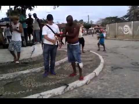 Guerra de espadas em Conceição do Almeida
