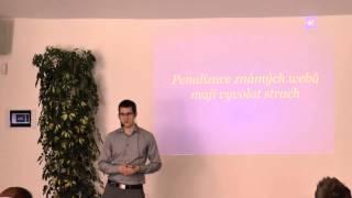 Foto z akcie Akademie digitálního marketingu prednáša Martin Šimko.