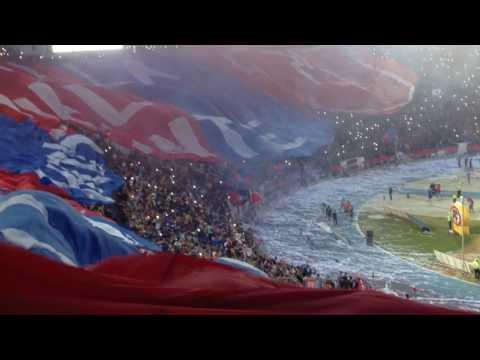 Simplemente Los De Abajo. Salida y bandera gigante - Los de Abajo - Universidad de Chile - La U - Chile - América del Sur