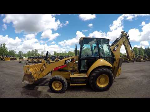 CATERPILLAR RETROEXCAVADORAS CARGADORAS 420FST equipment video 5fqm5DXd__E