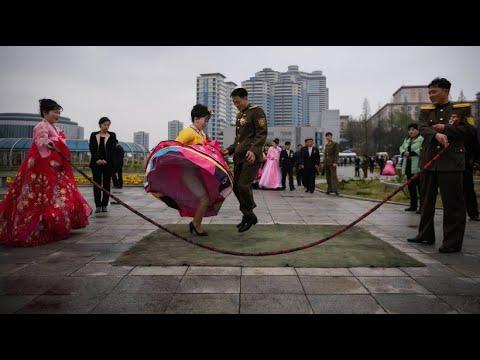 Pjöngjang: Hochzeitsfotos im Nordkorea-Style