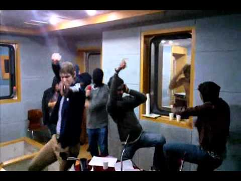 c1dew - Harlem Shake at Dongseo University in Busan, South Korea Radio show host & guests (Busan e-FM) http://befm.or.kr/program/seetheworld/main.jsp.