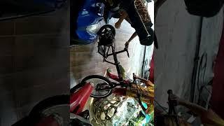 sepeda mesin (ade sadewa)