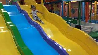 Video Balita Bermain Perosotan dan Mandi Bola di Playground - Kids Indoor Playground Fun Time MP3, 3GP, MP4, WEBM, AVI, FLV Maret 2019