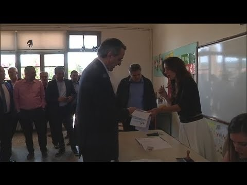 Πλάνα από τη ψηφοφορία του Α. Σαμαρά