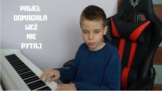 """Niewidomy 13-latek zagrał na pianinie hit """"Weź nie pytaj"""". Jego wykonanie podbiło serca internautów"""