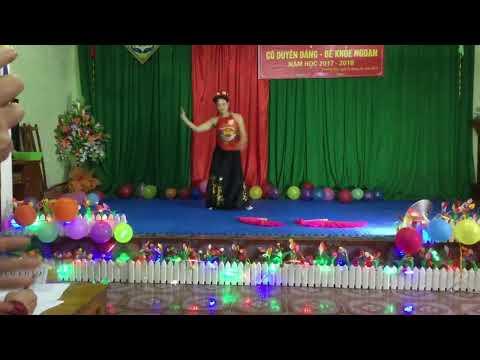 """Tiết mục múa """" Bánh trôi nước"""" cô giáo Nguyễn Thúy Nga"""
