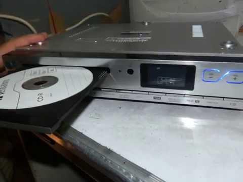 Godersi la musica con auna KCD-20 radio sottopensile da cucina
