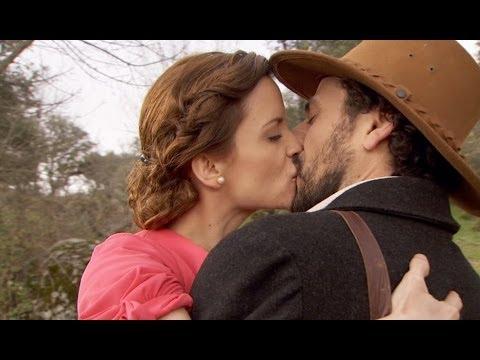 il segreto - conrado bacia sua moglie alicia