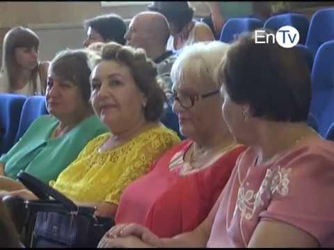 Мэры Павел Музыка и Юрий Коробов поздравляли с профессиональным праздником сотрудников