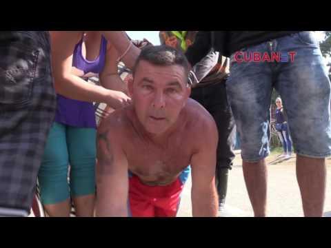 Cubanos peregrinan a El Rincón para pedirle a San Lázaro (видео)