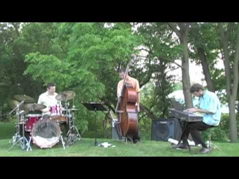Art Jazz Trio - Straight No Chaser
