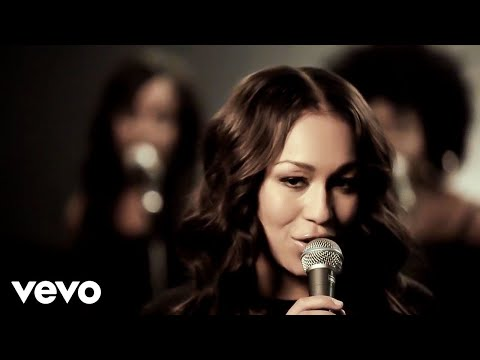 Rebecca Ferguson - Glitter & Gold (Live Version)