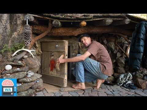 Seit 20 Jahren wohnt dieser Mann wie ein Hobbit aus Herr der Ringe im Erdhaus!