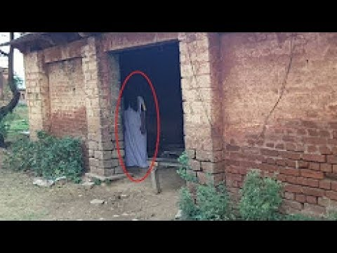 8 fantasmi reali ripresi da una videocamera