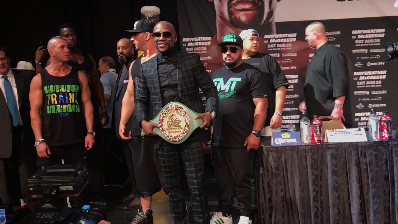 FULL VIDEO: Floyd Mayweather talking to Heckler with The Money Belt