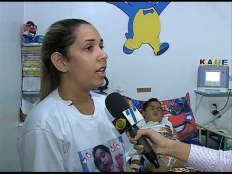 Mãe faz apelo para conseguir tratamento para filho com doença rara