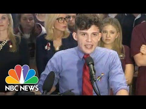 Stoneman Douglas Students Protest Gun Laws At Florida Capitol | NBC News (видео)