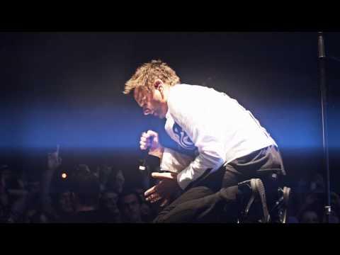 Tekst piosenki Muse - Follow Me po polsku