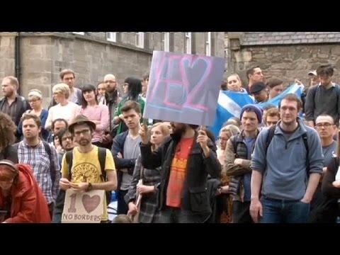 Brexit: Φιλοευρωπαϊκές διαδηλώσεις σε Λονδίνο και Εδιμβούργο