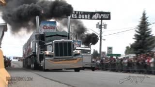 Hardkorowe wyścigi ciężarówek, czyli jak zadymić pół miasta.
