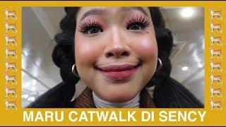 Video MY VERY FIRST CAT WALK ON A FASHION SHOW LOL MP3, 3GP, MP4, WEBM, AVI, FLV Maret 2019