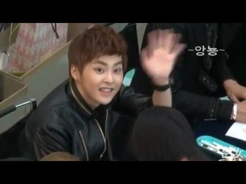 Fancam 120510 EXO-M Fan Sign Event - Xiumin focus