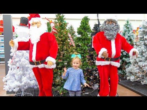Влог Готовимся к Новому Году Покупаем ёлку, огромного Деда Мороза и Игрушки / Новогодний Шоппинг (видео)