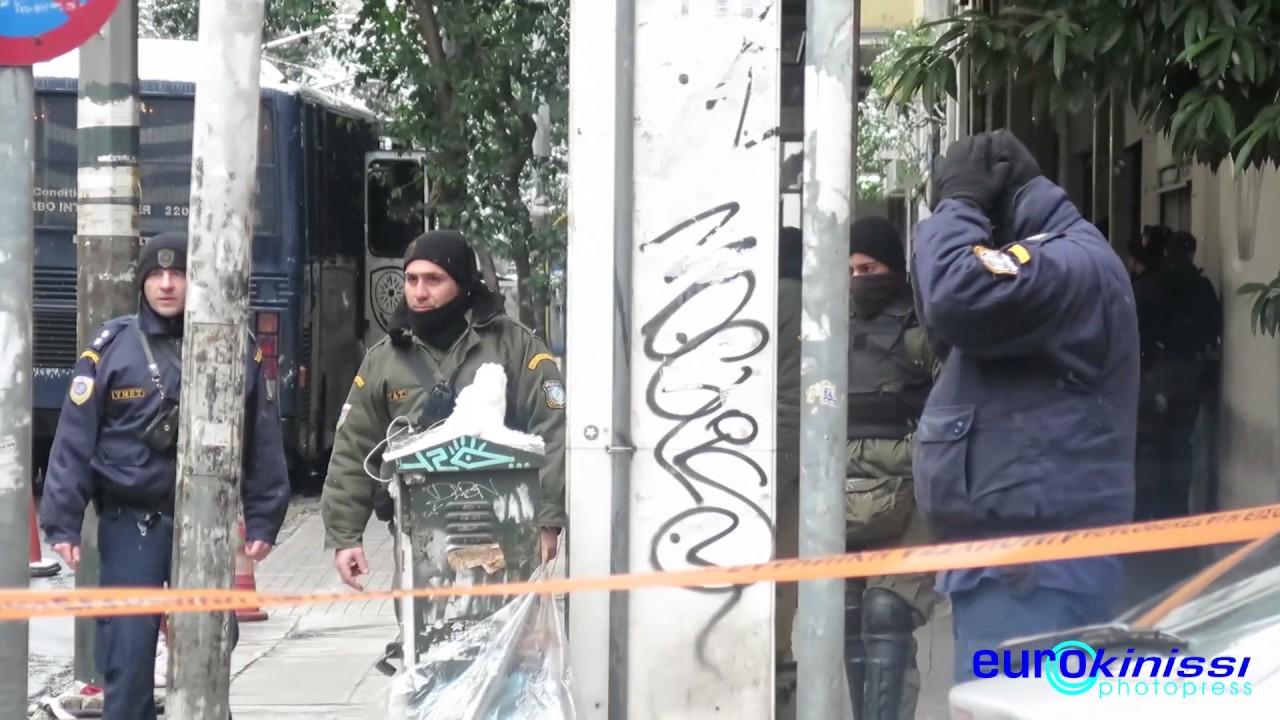 Ένοπλη επίθεση έξω από τα γραφεία του ΠΑΣΟΚ
