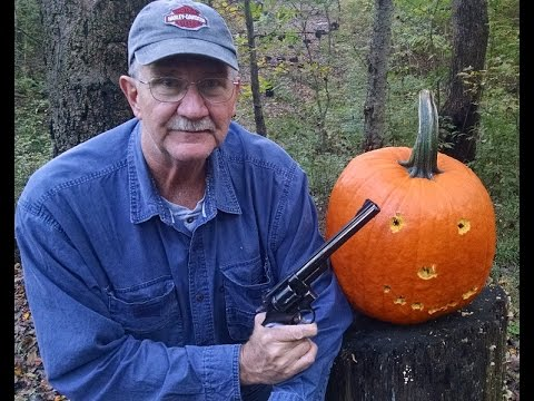 magnum - Bud's Gun Shop: http://www.budsgunshop.com/?utm_source=hickok45&utm_medium=youtube&utm_campaign=hickok45_yt Pumpking Carving time again! This year the honors go to my Classic 44 ...