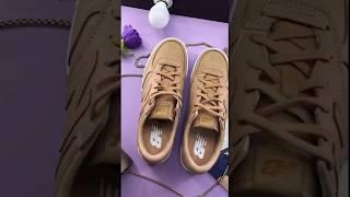 Женские кроссовки New Balance WRT300SC. Песочные
