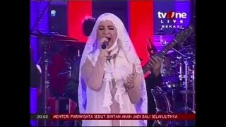 Puput Novel ft TOPGAN - Sepohon Kayu @ TVONE