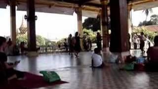 Khmer Culture - kom nap & komnu khmerkrom