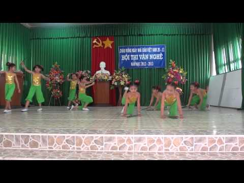 Múa Bắc Kim Thang của trường Phùng Ngọc Liêm