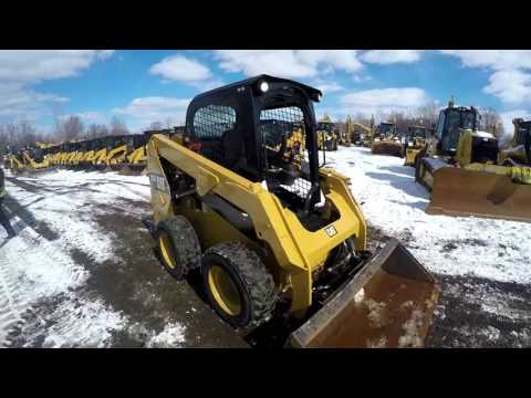 CATERPILLAR SKID STEER LOADERS 236D equipment video 5oWlojh3f4E