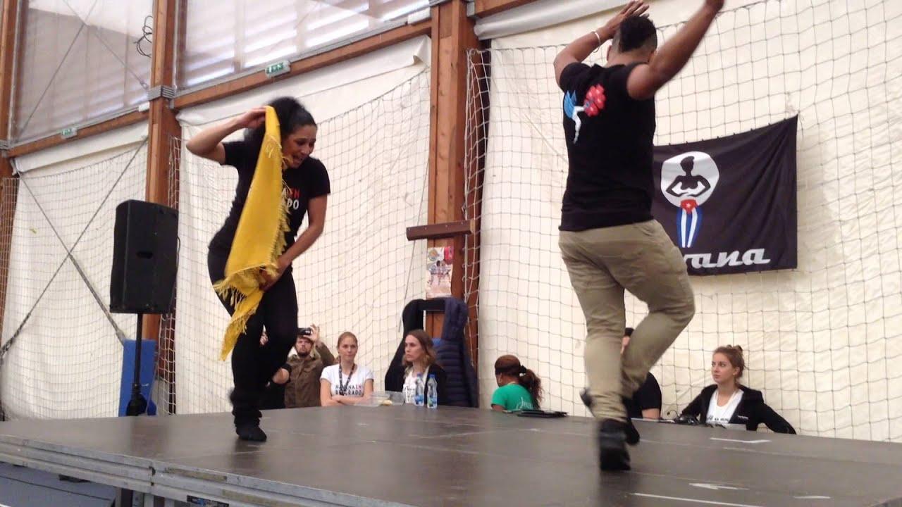Смотреть онлайн уроки сальсы: Yoannis Tamayo & Madeline | Guaguanco | Havana En Belgrado 2015