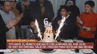 Tito Nieve, el muñeco que nació con la nevada del 9 de julio de 2007 en Córdoba, salió del freezer para festejar una década.