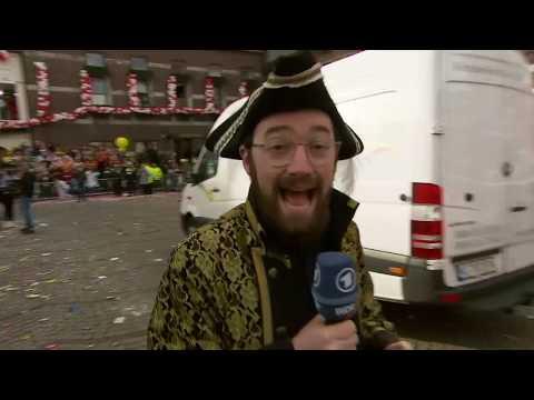 Der Rosenmontagsumzug in Düsseldorf trotz Sturmtief »B ...