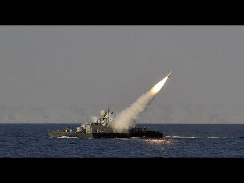 ما هي قصة سقوط صواريخ إيرانية قرب حاملة طائرات أمريكية؟